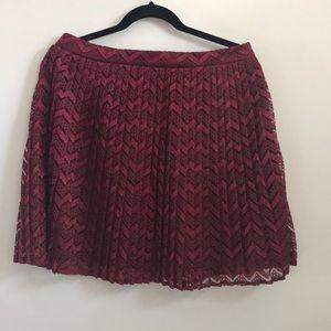 Francesca's burgundy lace look short skirt
